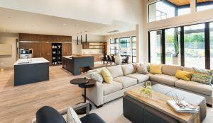 Welche Formen es einer offenen Wohnküche gibt, erfahren Sie bei Tipp zum Bau.