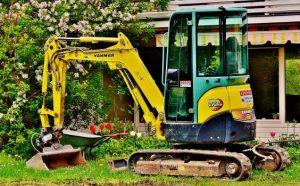 Bei Tipp zum Bau erfahren Sie, wie der Minibagger Ihnen bei der Gartenarbeit und beim Landschaftsbau hilft.
