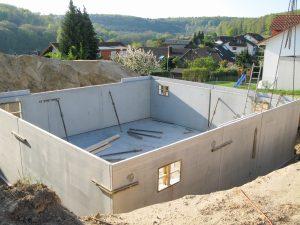 Keller mit Fertigbauteilen bei Tipp zum Bau.