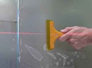 Tipp zum Bau erklärt Ihnen wie Sie mit einem Loch an der Gipskartonwand umgehen.