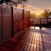 Tipp zum Bau stellt Ihnen die effizientesten Varianten für den Sichtschutz Ihrer Dachterrasse vor.