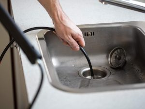 Wie Sie Ihre Rohre richtig reinigen, erfahren Sie bei Tipp zum Bau.