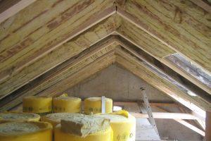 Tipp zum Bau informiert Sie über Sonderformen des Dachschrägenschranks.