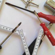 Welche Schraubwerkzeuge es gibt erfahren Sie unter Tipp zum Bau.