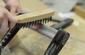 Tipp zum Bau erklärt Ihnen, wie Sie Ihre Temperguss-Schraubzwinge am besten pflegen.