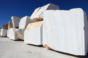 Tipp zum Bau verrät Ihnen, warum der Naturstein Marmor sich so richtig lohnt.