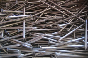 Lernen Sie bei Tipp zum Bau die Nägel als ältestes Befestigungsmaterial kennen.