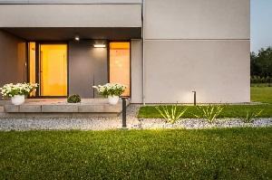 Ihren Garten erhellt Smart Home-Licht problemlos – Tipp zum Bau zeigt Ihnen die Möglichkeiten auf.
