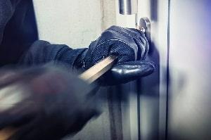 Tipp zum Bau informiert Sie über Einbruchsschutz durch Smart Home-Licht.