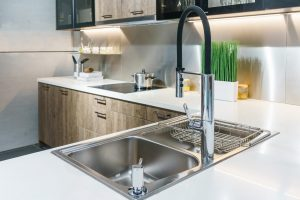 Tipp zum Bau zeigt Ihnen, wie der Industrie-Look an Ihrer Küchenrückwand wirkt.