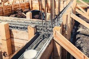 Tipp zum Bau hilft Zementmörtel beim Fundament richtig einzusetzen.