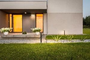 Erfahren Sie bei Tipp zum Bau die Einsatzvielfalt smarter Assistenzsysteme mit Beleuchtungs-Funktion.