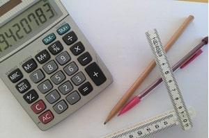 Errechnen Sie die Kosten für Spachtelmasse mit Tipp zum Bau.