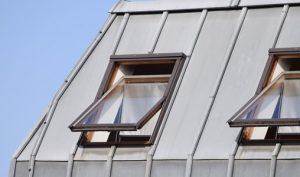 Was ein Kippflügelfenster ist und wo es zur Anwendung kommt: Das erklärt das Glossar von Tipp zum Bau.