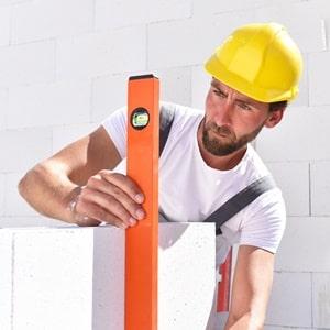 Welche Arten von nichttragenden Wänden existieren, erläutert das Glossar von Tipp zum Bau.